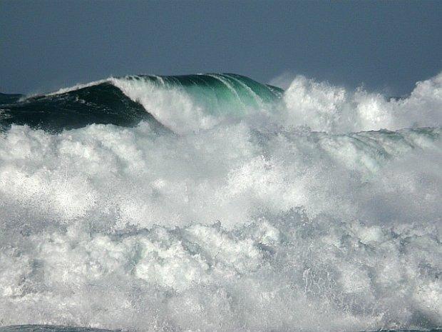 Huge Surf At Saligo October 2008